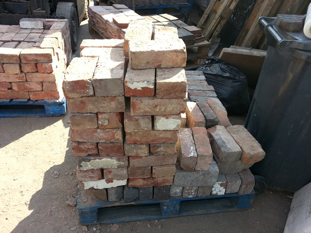 Reclaimed bricks floorboards birmingham midlands for Reclaimed house materials